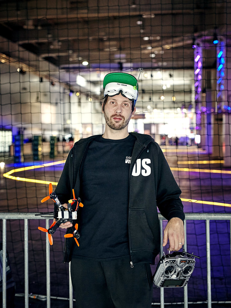 Portrait Sascha_Team Virus_Dronemasters_Cebit Hannover